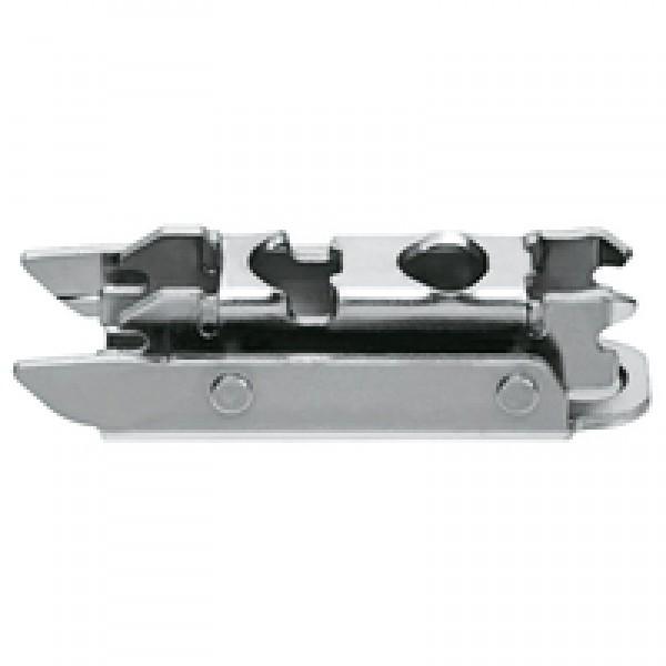 CLIP ответная планка, прям. (20/32 мм), 3 мм, сталь, на шурупы, РВ: эксцeнтрик